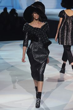 Marc Jacobs Fall 2012, To me this would look a lot better without that mess on the feet.