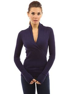 PattyBoutik Women's V Neck Empire Waist Knit Top (Navy Blue S): PattyBoutik Deep V Neck Crossover Empire Waist Pullover Knit Sweater Top. Model in pictures is 5 feet 8 inches tall wearing size S. Fashion Hashtags, Fashion Now, Fashion 2017, Fashion Women, High Fashion, Winter Tops, Winter Outfits Women, Casual T Shirts, V Neck T Shirt