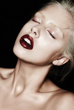 I shall be doing red glitter lips sometime soon