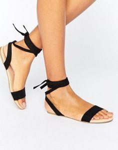 ASOS – FIONA – Sandalen mit Schnürung am Bein