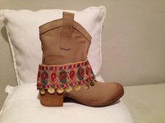 Boho by Mar: CUBREBOTAS CON MONEDAS / DECORATION BOOTS WITH COINS
