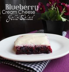 Blueberry Cream Cheese Jello Salad from Jamie Cooks It Up! Use sugar free jello and sugar sub Jello Desserts, Jello Recipes, Just Desserts, Delicious Desserts, Dessert Recipes, Yummy Food, Jello Salads, Fruit Salads, Salad Recipes
