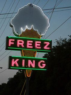 Freez King ~ Vintage Neon Sign
