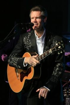 Country Music Star Randy Travis On the Road to Sobriety! Old Country Music, Country Western Singers, Country Music Artists, Country Music Stars, Country Boys, Good Music, My Music, Reggae Music, Music Mix