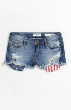 Bullhead Flag Pocket Shorts #pacsun  LOVE patriotic hints in clothing !!!