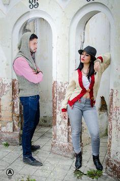 Para es outfit ideal para tu tenemos estas dos opcines de sueteres tejidos a mano!