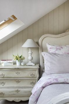 A pretty bed under the eaves - Modern Country Style: Swedish/French Style Victorian House Tour Home Bedroom, Bedroom Decor, Bedroom Ideas, Modern Country Style, Country Interior, White Rooms, Home And Deco, French Country Decorating, My New Room