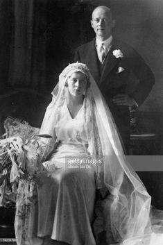 ニュース写真 : Prinz Christoph von Hessen und seine Ehefrau... Queen Victoria's Daughters, Wedding Gowns, Bridal Dresses, Royal House, Prince Philip, Still Image, Vintage Dresses, Royalty, Presentation