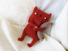 Wärmekissen - Kleiner Piet Bandit mit Würstchen - Körnertier - ein Designerstück von hellohemmi bei DaWanda
