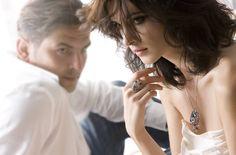 Когда любовные отношения начинают портиться, мужчине, чтобы они не испортились окончательно, нужно успеть подарить бриллианты. http://apodarok.com/kupit/