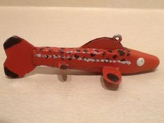 VINTAGE ICE SPEARING FISH DECOY, OLD WORKHORSE