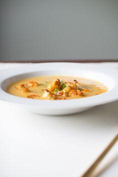 Flourishing Foodie: Roasted Cauliflower, Leek, and Carrot Soup