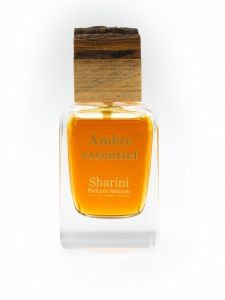 This amber potion is earthy and oriental, made from mandarin, bergamot, vanilla, Australian sandalwood and 300 roses. Another key ingredient is labdanum (a sticky resin from the Cistus ladanifer flower) that is responsible for its warm, yellow-brown colour. It uses organic corn alcohol and organic rose flower water which are both gentle on the skin and do not cause irritation. It has a warm, earthy fragrance that is suitable for winter with a citrus kick. Ecocert certified organic and…