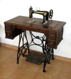 Treadle Sewing Machines, Antique Sewing Machines, Wooden Shoe Racks, 1960s Toys, Cleaning Items, Sewing Tools, The Good Old Days, Vintage Furniture, Home Goods