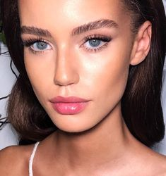 Make-up für die Rekrutierung von Schwesternschaften - Prom Makeup Looks New Makeup Ideas, Makeup Inspo, Makeup Trends, Contour Makeup, Lip Makeup, Makeup Eyebrows, Makeup Brushes, Makeup Glowy, Blonde Eyebrows