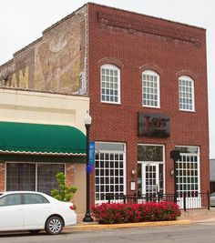 Must-Visit Places: Jo's Coffee Shop Bathtub Repair, Bathtub Refinishing, Mount Pleasant Texas, Coffee Shop, Sweet Home, Cottage, Mansions, Lovely Things, House Styles