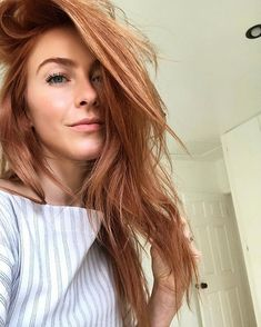 Julianne Hough's Husband Brooks Laich 'Loves' Her New Red Hair: 'It's Sexy As Hell'