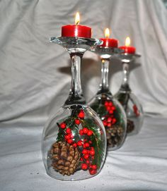 Fabulous and easy centre piece. All you will need are wine glasses, pine cones, one evergreen cutting and Warriner Winterberries. Diy Christmas Decorations Easy, Christmas Tablescapes, Christmas Centerpieces, Diy Christmas Ornaments, Christmas Crafts, Wine Glass Crafts, Bottle Crafts, Centerpieces With Wine Glasses, Christmas Wine Bottles