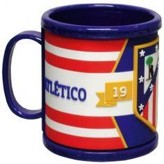 Taza de Goma 3D Atlético de Madrid  Taza de desayuno Atlético de Madrid con detalles en 3D  Capacidad: 25 cl  Dimensiones: 9 x 8 x 8 cm  Producto oficial ATM  Fabricado por CyP