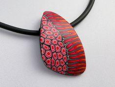 Statement in schwarz und rot aus Polymer clay, fimo, art, bead von polymerdesign
