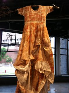 Exhausted and exhilarated. India Flint, Eco Clothing, Natural Clothing, How To Dye Fabric, Dyeing Fabric, Colorful Fashion, Refashion, Models, Diy Clothes