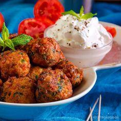 Ντοματοκεφτέδες - το κεφτεδάκι του καλοκαιριού! | magiacook Healthy Lifestyle, Healthy Living, Ethnic Recipes, Yummy Yummy, Drinks, Santorini, Foods, Recipe, Drinking