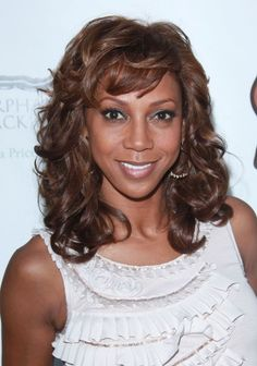 Holly Robinson Peetes curly hairstyles