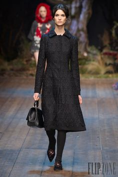 Dolce & Gabbana - Ready-to-Wear - Fall-winter 2014-2015 - http://www.flip-zone.net/fashion/ready-to-wear/fashion-houses-42/dolce-gabbana-4602 - ©PixelFormula