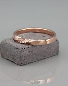 14k Rose Gold Mubius Ring mit Brillanten ausgefasst Mobius