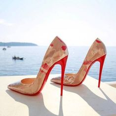 Christian Louboutin The Cutest Pumps / Only Me 💋💚💟💖✌✔👌💙💚 xoxo Knee High Heels, High Heels Stilettos, Stiletto Heels, Nude Heels, Christian Louboutin, Louboutin Shoes Women, Hot Heels, Shoes 2018, Mode Shoes