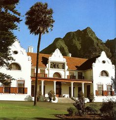 Groote Schuur, Cape Town, South Africa. Most Beautiful Beaches, Beautiful Places, Cape Dutch, I Love House, Dutch House, Dutch Colonial, Cape Town South Africa, Rosemary Beach, Building Structure
