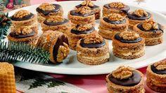 Karamelové vánoční cukroví s čokoládovou polevou