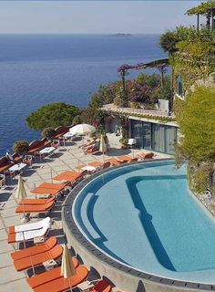 Relais&Chateaux 5-star de luxe on the Amalfi Coast with a direct access to the beach, tennis court, pool, cruise.