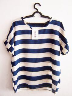 Blusa Branca de Chiffon com Listra Azul