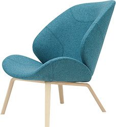 The Softline Eden Lounge Chair features stitching inspired by sports cars. Buy this contemporary lounge chair from Utility Design today. Soft Seating, Lounge Seating, Lounge Chairs, Sofa Furniture, Furniture Design, Office Furniture, Seat Cupra, Modul Sofa, Scandinavia Design