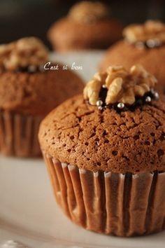 バレンタインに贈る「カップケーキ&マフィン」レシピ10選★シンプルケーキにひと工夫♪|CAFY [カフィ]