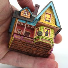 Here is another built of my famous engagement ring box inspired by house from pixar movie Up. Little Free Libraries, Free Library, Minis, Disney Pixar Movies, Ring Boxes, Ideias Diy, Up House, Polymer Clay Jewelry, Home Projects