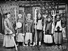 Qing dynasty soldiers.