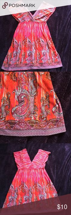 Boho paisley mini dress, size medium L8ter mini dress in red with paisley print. Size is medium, and has boho flair. If you have any questions please let me know! Smoke free home. All items $15 and under are firm in price. L8ter Dresses Mini