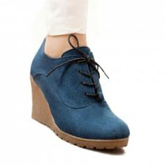 $14.01 Vintage Style Outdoor Women's Wedge Shoes With Suede Solid Color and Lace-Up Design