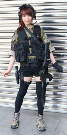 Girl with a Weapon celebrity girl gun stories Military girl . Women in the military . Women with guns . Girls with weapons Cosplay Outfits, Cosplay Girls, Asian Woman, Asian Girl, Gunslinger Girl, Military Women, Military Army, Female Soldier, Female Poses