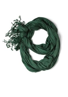 Crinkle in Time Scarf in Evergreen, #ModCloth (U$15.99)