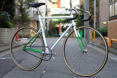 Icarus fixed gear brakeless track bike. Beautiful!!