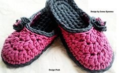 We continue our series of flip-flop tutorials with another beautiful project. Today we are going to learn to crochet this easy and elegant slipper. Alike previous flip-flop tutorials shared on our blog, this one is very informative, clear and precise. By covering all the major aspects of flip-flop crocheting, this tutorial resembles one of the… Read More At Home Flip-Flops