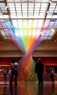 Mexican-born mixed media and installation artist Gabriel Dawe produces rainbow installations that appear as refracted light beams, composed… Light Art Installation, Artistic Installation, Art Installations, Skandinavisch Modern, Instalation Art, Rainbow Art, Art Abstrait, Land Art, Art Design