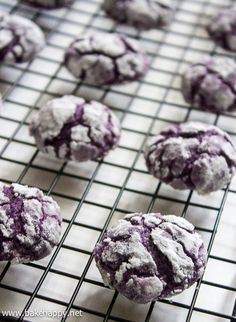 ube crinkles recipe - z robinson - Filipino desserts Ube Recipes, Baking Recipes, Cookie Recipes, Dessert Recipes, Easy Recipes, Potato Recipes, Pinoy Dessert, Filipino Desserts, Filipino Food