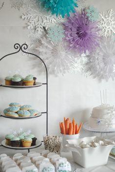 Frozen Party- Snowflake Backdrop