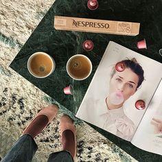 Annonce | Coffee-time Vi ELLEsker kvalitetskaffe og derfor er vi fan af Nespressos Limited Editon Selection Vintage 2014 kaffekapsler som er lavet på colombianske Arabicabønner. Bønnerne blev høstet i 2014 og har gennemgået en lagringsproces som har fremelsket en særlig lækker smag med træagtige og frugtige noter  Mhm so good! #nespressodkvintage #nespressodk @nespresso  via ELLE DENMARK MAGAZINE OFFICIAL INSTAGRAM - Fashion Campaigns  Haute Couture  Advertising  Editorial Photography…