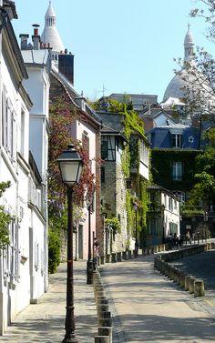 Montmartre, Paris, France (by Fatima Kazmi) Montmartre Paris, Paris Travel, France Travel, Places To Travel, Places To See, Places Around The World, Around The Worlds, Beautiful Paris, Paris City
