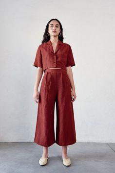 Crop Blouse Source by jmijucic clothes for women Fashion Outfits, Womens Fashion, Fashion Tips, Fashion Trends, Fashion Ideas, 20s Fashion, Fashion Styles, Runway Fashion, Female Fashion